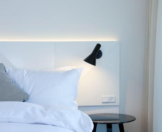 designklassiker wandleuchte mit schalter f r eine tolle. Black Bedroom Furniture Sets. Home Design Ideas