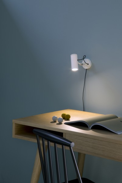 weisse wandleuchte mit drehschalter und kabel berzeugt. Black Bedroom Furniture Sets. Home Design Ideas